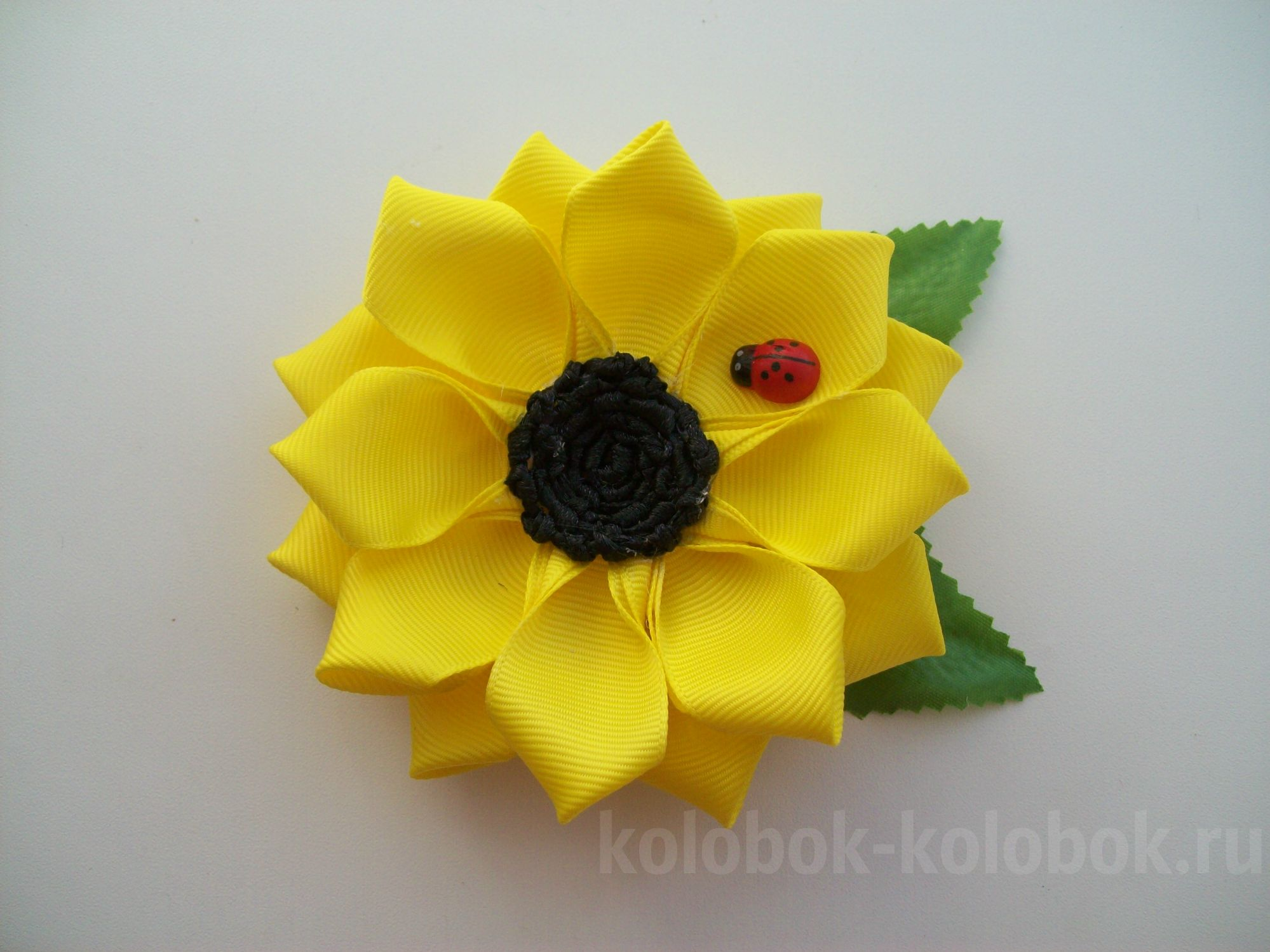 Topiary from tapes: how to make a sunflower